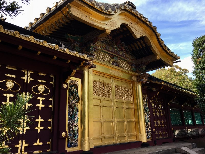 Walks in Old Tokyo: Tosho-gu Shrine, Ueno Park