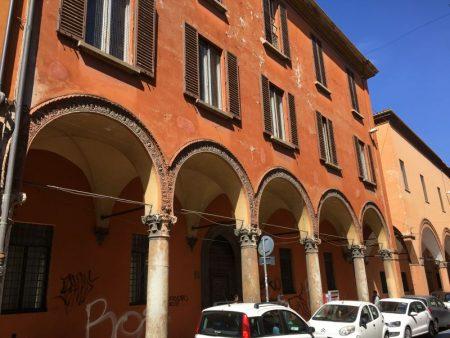 Bologna centro storico portici