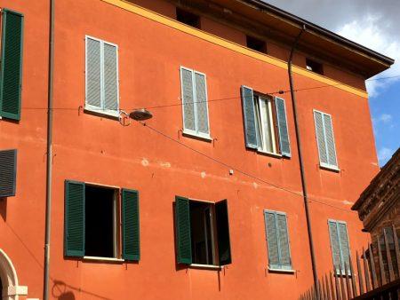 Piazza Santo Stefano townhouse, Bologna