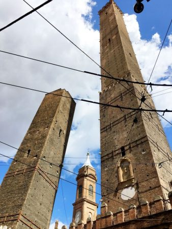 Torri Pendenti, Bologna